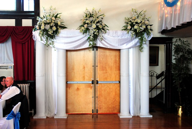 Tana S Blog The Entrance Of Bride And Groom When They Arrived In The Banquet Hall Every